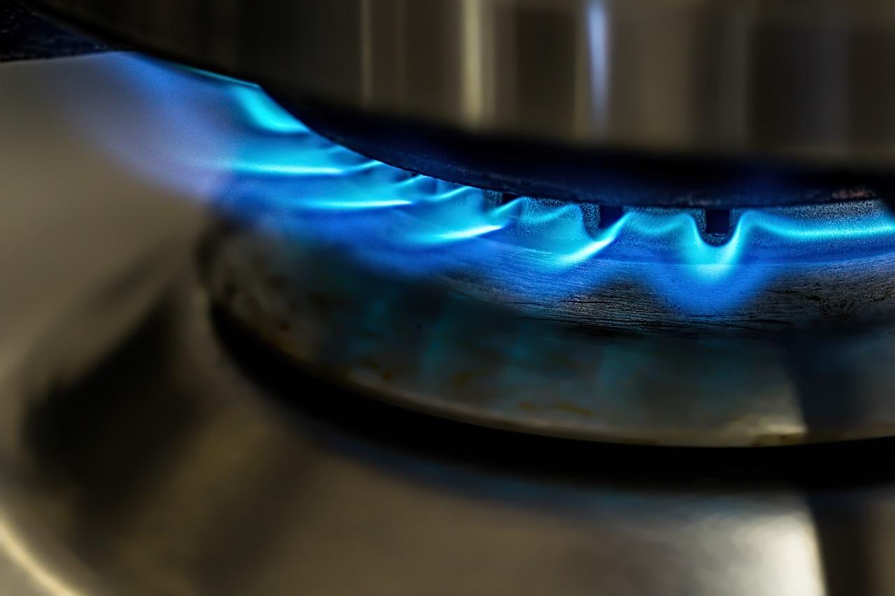 湯出し(煮出し):火を使う、だし汁の作り方