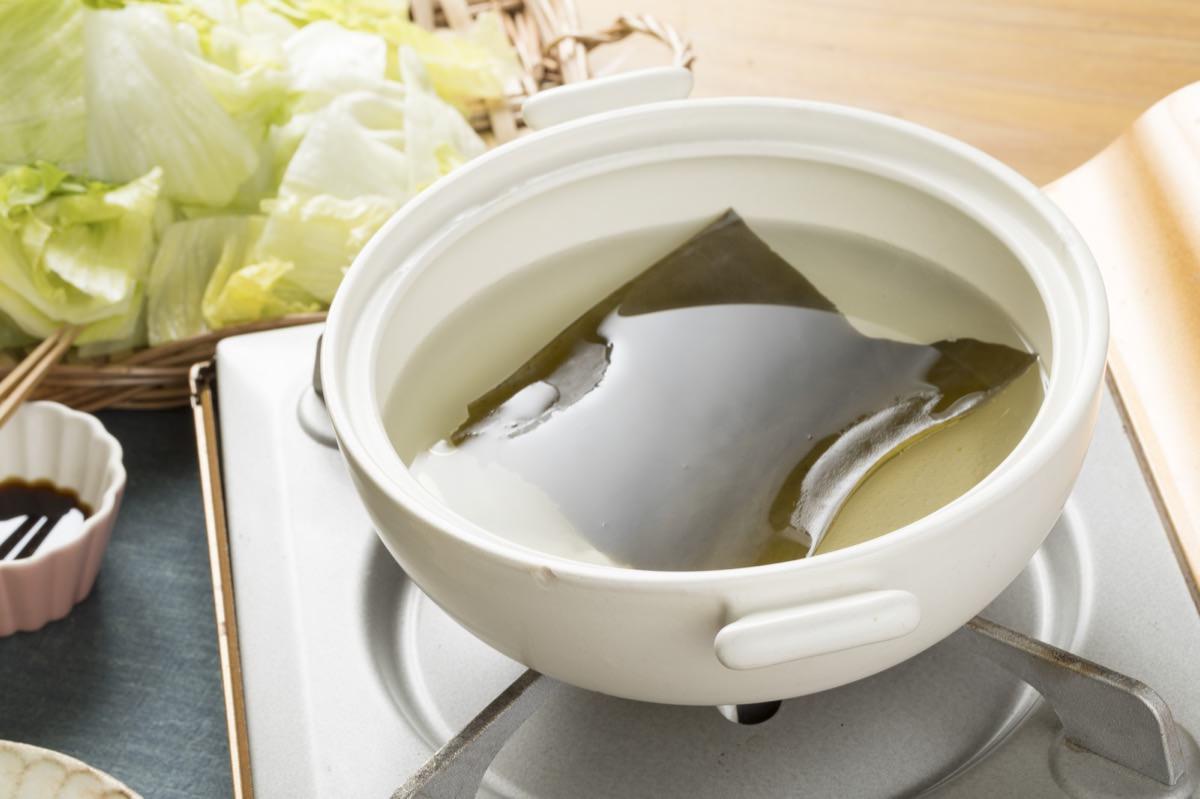 昆布のだし汁の作り方について【沸騰直前に取り出すのがポイント】